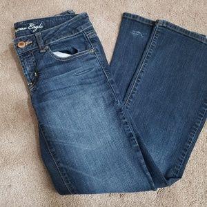 AE Size 6S Favorite Boyfriend Jeans